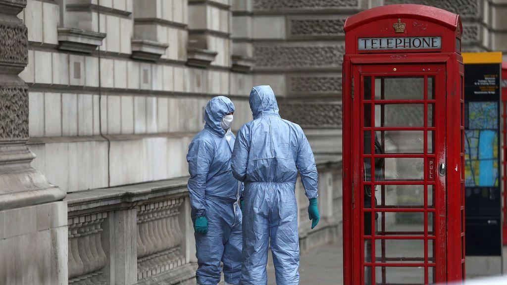 """Detenido en Londres bajo """"sospecha de terrorismo"""" un hombre armado con tres cuchillos"""