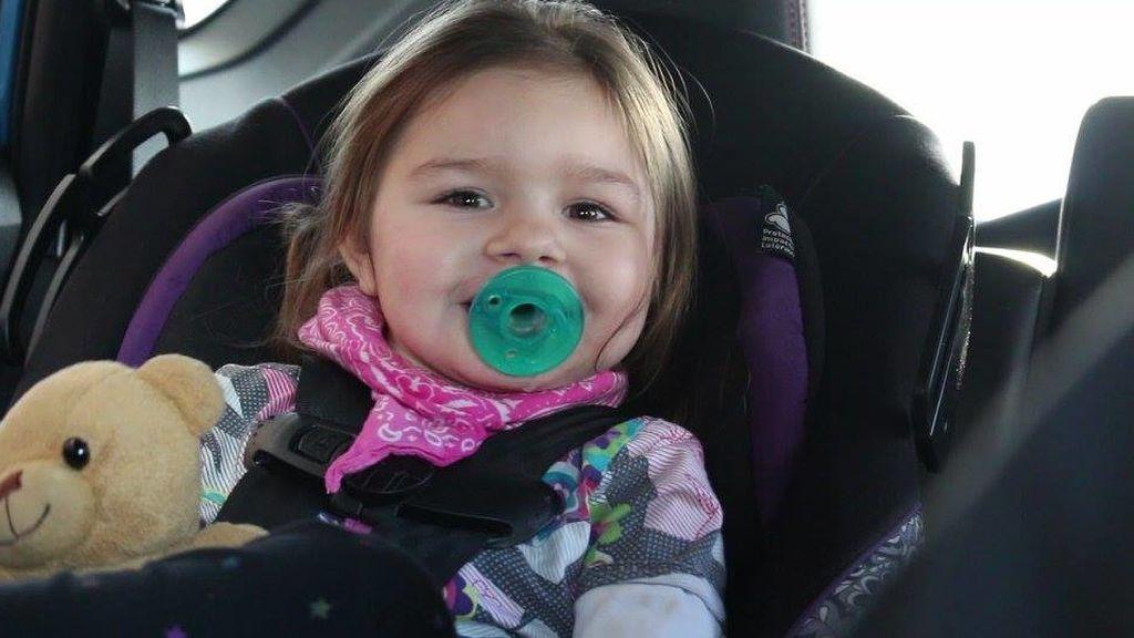Una niña con una extraña condición no puede dormir más de una hora al día