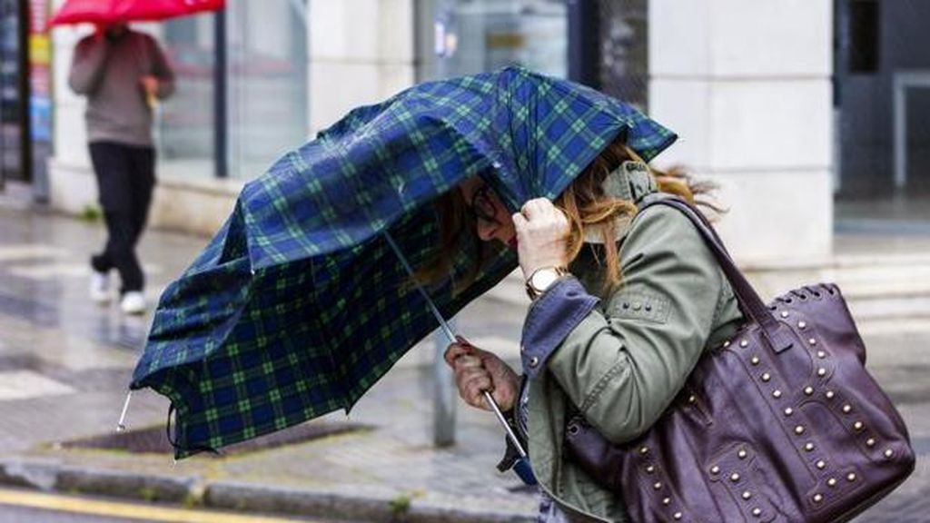 Cinco provincias en riesgo por lluvia, oleaje o frío
