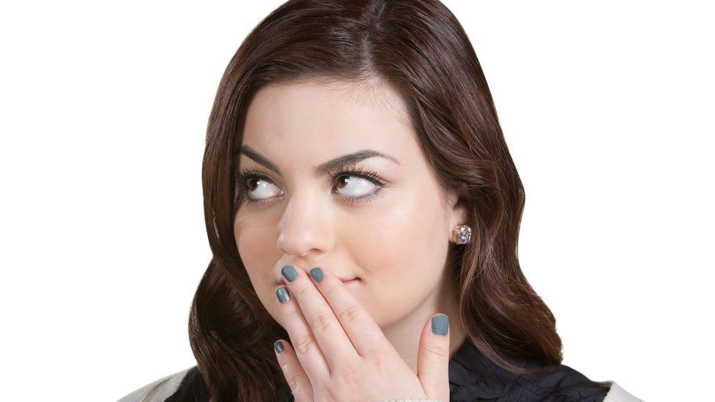 Cuatro señales corporales que indican que una persona miente