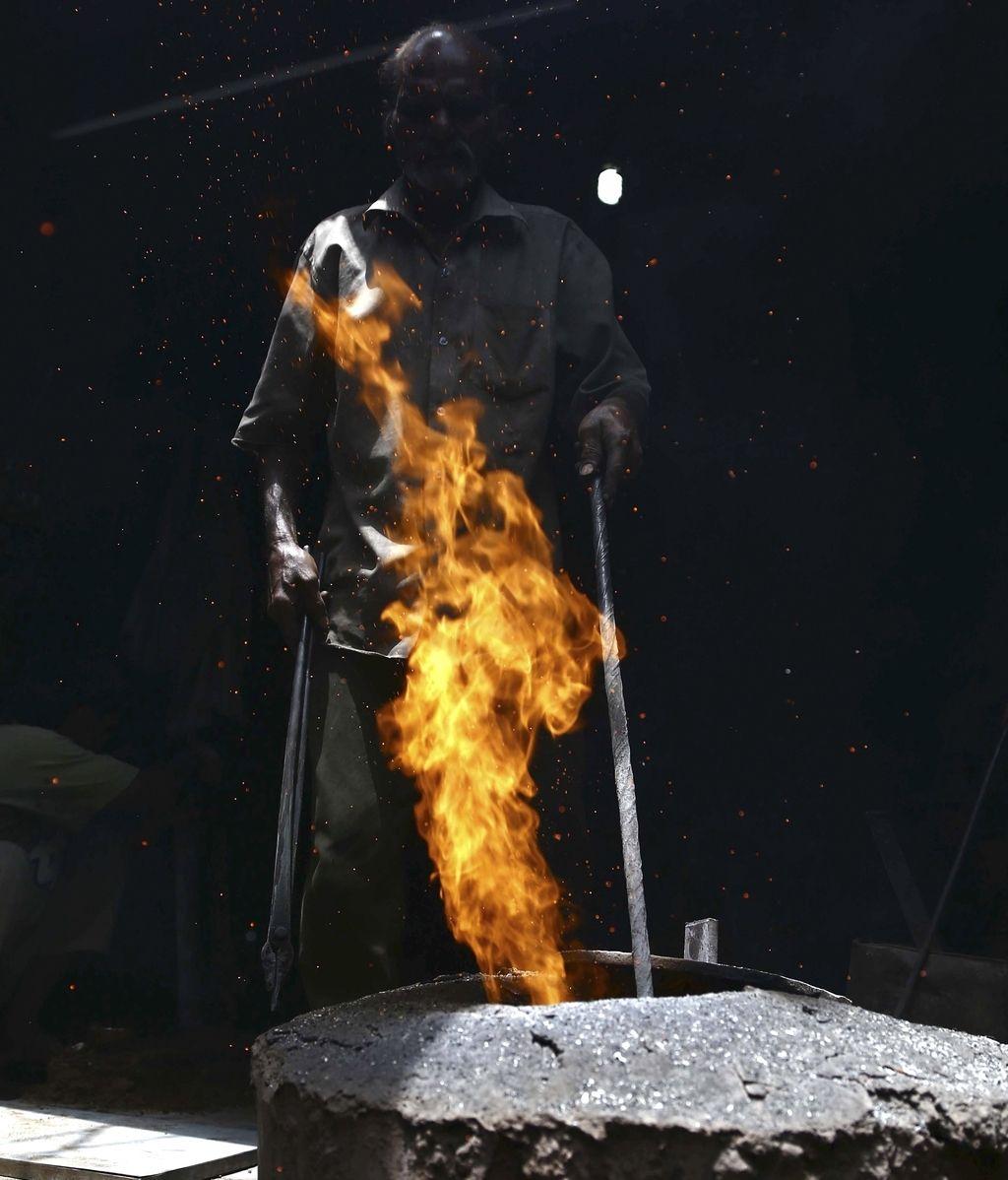 Trabajador de hierro fundido en Pakistán