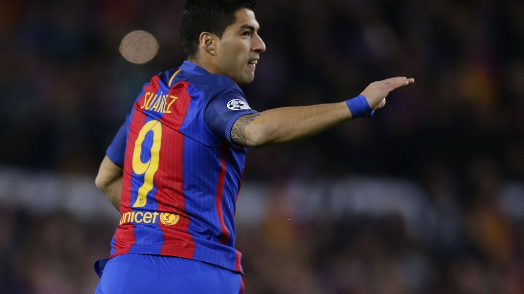 El Barcelona no cede en su lucha y se lleva el derbi catalán