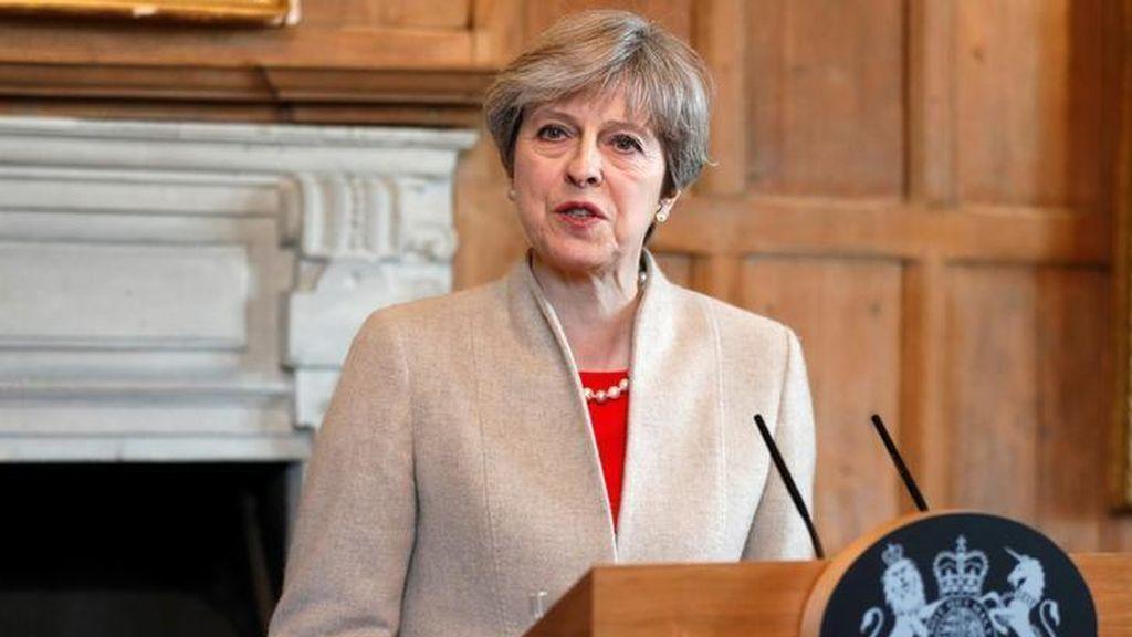 """May reconoce que se avecinan """"duras conversaciones"""" respecto al 'Brexit' por la postura de la UE"""