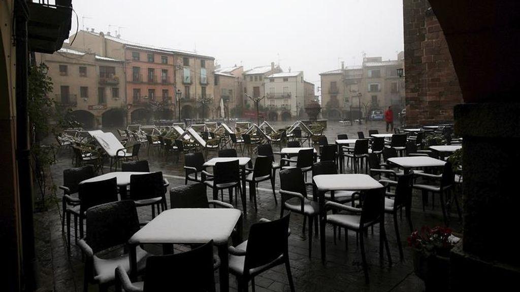 Abril se despide con 25 provincias en alerta por nevadas, viento y olas
