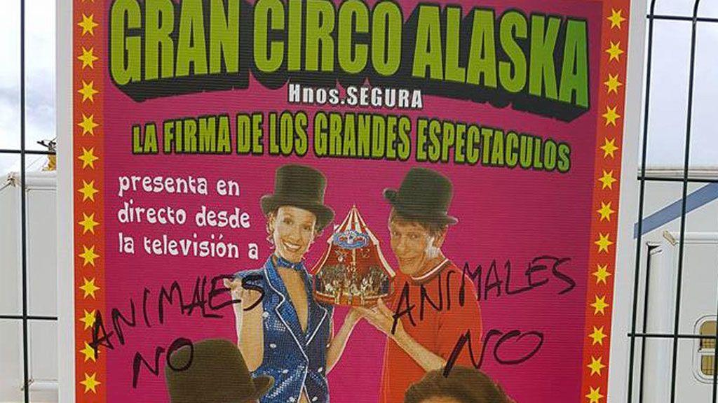 Altercado entre animalistas y trabajadores del Circo Alaska, en Sevilla