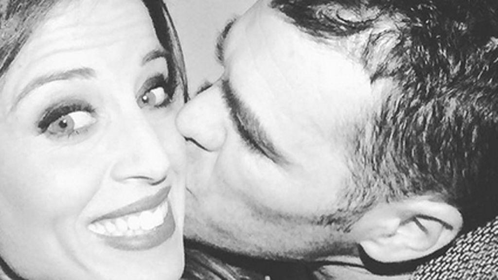 ¡Recién casados! Marta Castro comparte la primera foto de 'marido y mujer' con Fonsi
