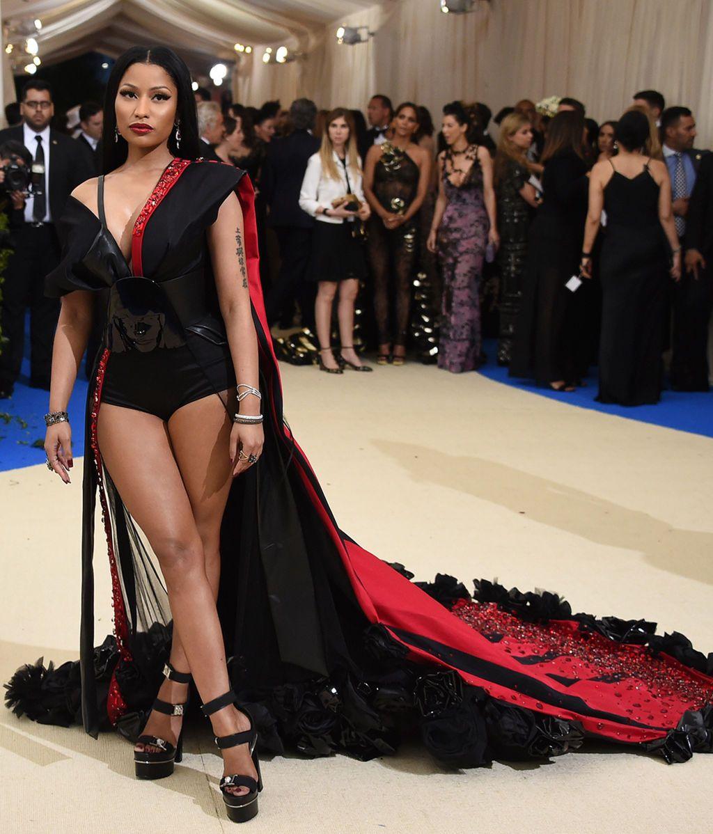 Nicki Minaj vestida de H & M