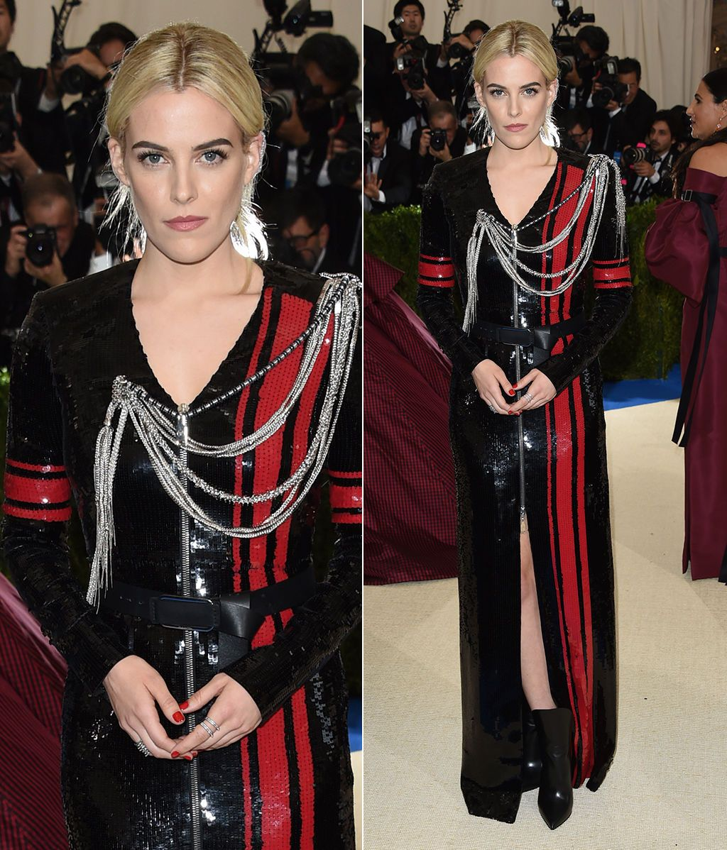 Riley Keough vestida de Louis Vuitton