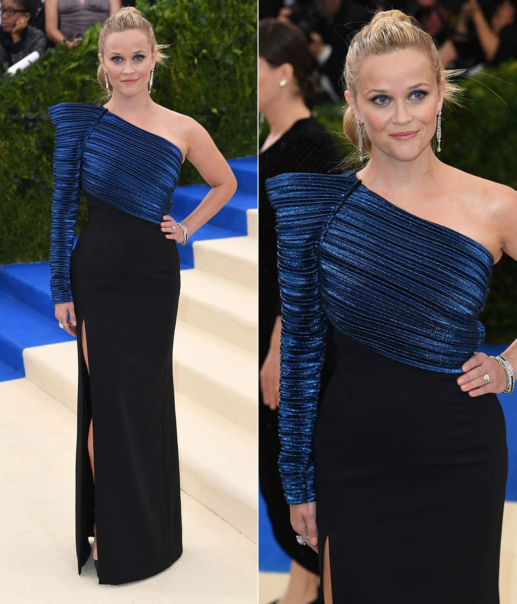 Reese Witherspoon con vestido de Thierry Mugler