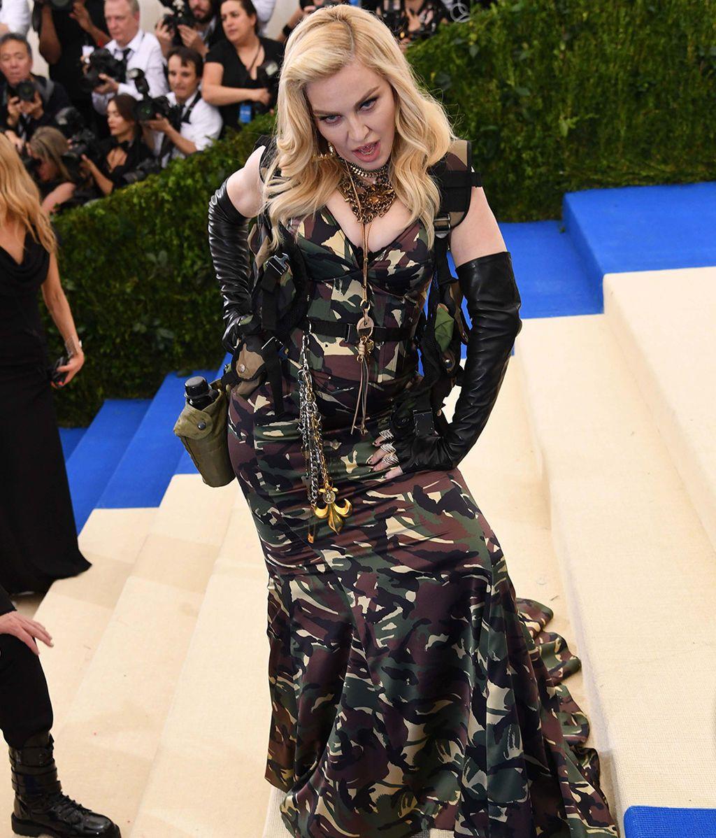 Madonna vestida de Moschino