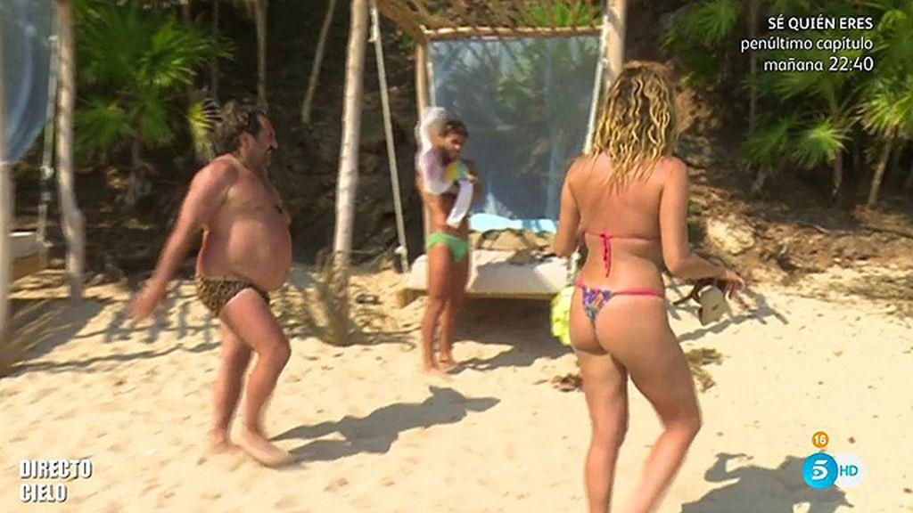Colores flúor, estampados u muchos volantes: la moda de baño en la isla