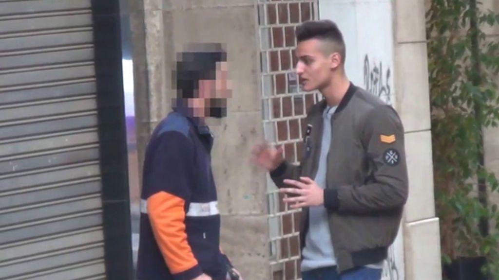El repartidor que abofeteó al youtuber 'cara anchoa',  pide beneficio por el vídeo