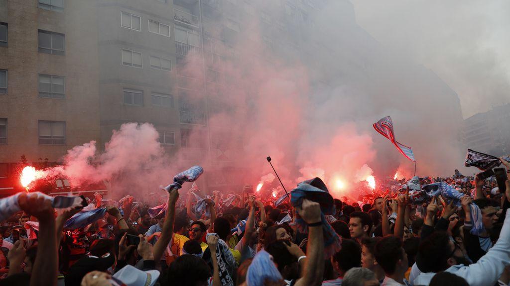 Marea celeste en Vigo: la afición del Celta responde en su día más grande en Europa