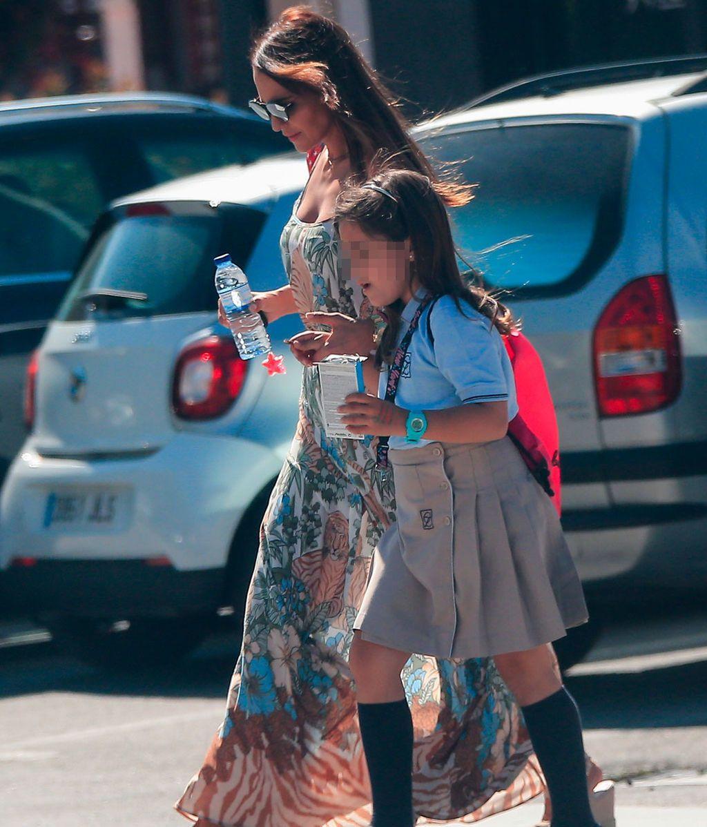 Paula Echevarría, con Daniella en sus últimas clases de catequesis antes de la Comunión