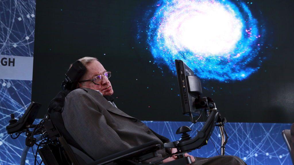 Stephen Hawking avisa que tendremos que abandonar la Tierra en 100 años