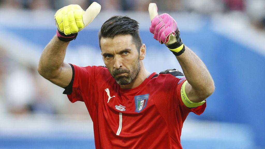"""Buffon pone firmes a los ultras de la Juve tras reírse de la tragedia del Torino: """"Estáis más muerto que los muertos"""""""