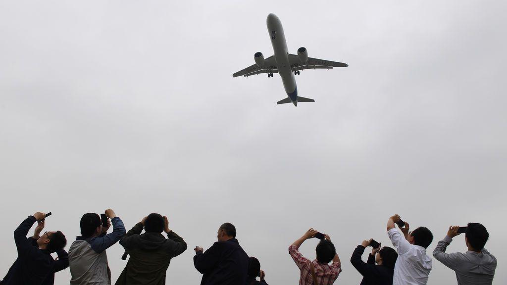 El primer gran avión de pasajeros en China