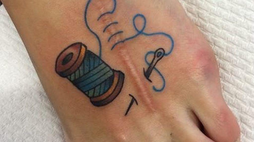 La ilusión óptica es otra de las ideas ingeniosas con las que juegan estos tatuajes