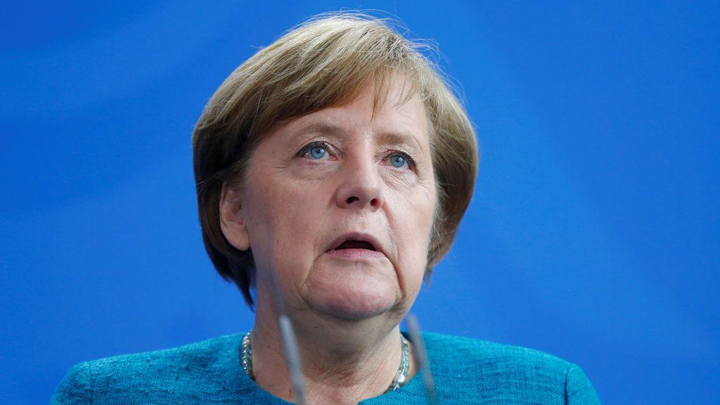 """Merkel aplaude la victoria de Macron como """"un triunfo de una Europa unida"""""""