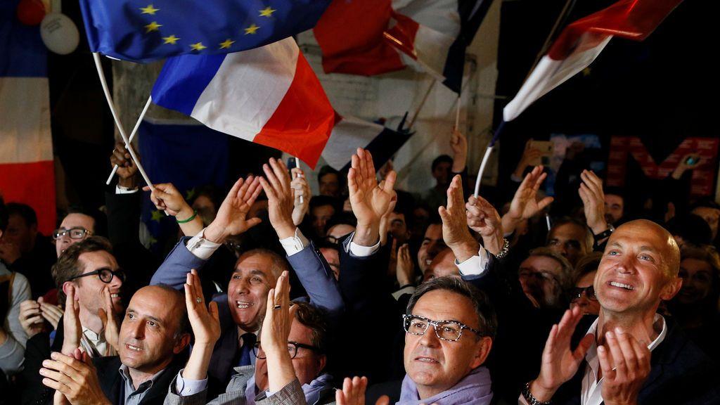 Seguidores de Macron celebran su victoria