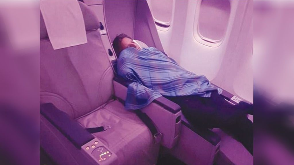 Despiden a un piloto por echarse una siesta durante un vuelo