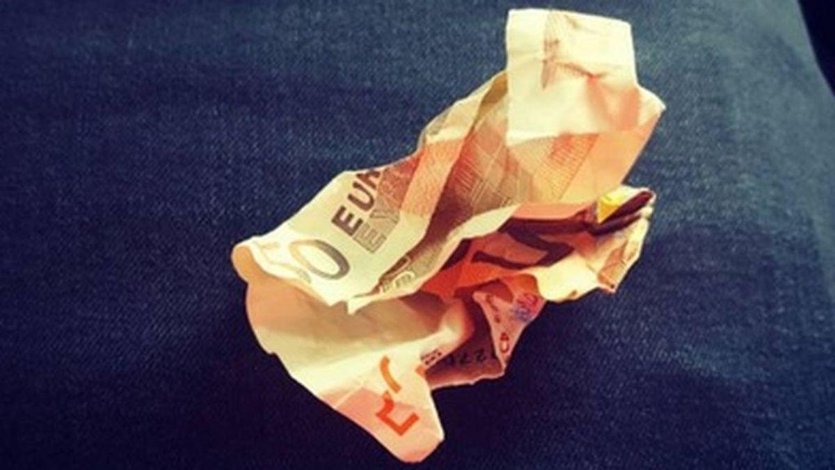 La gran lección sobre el bullying que un profesor dio con un billete de 50 euros arrugado