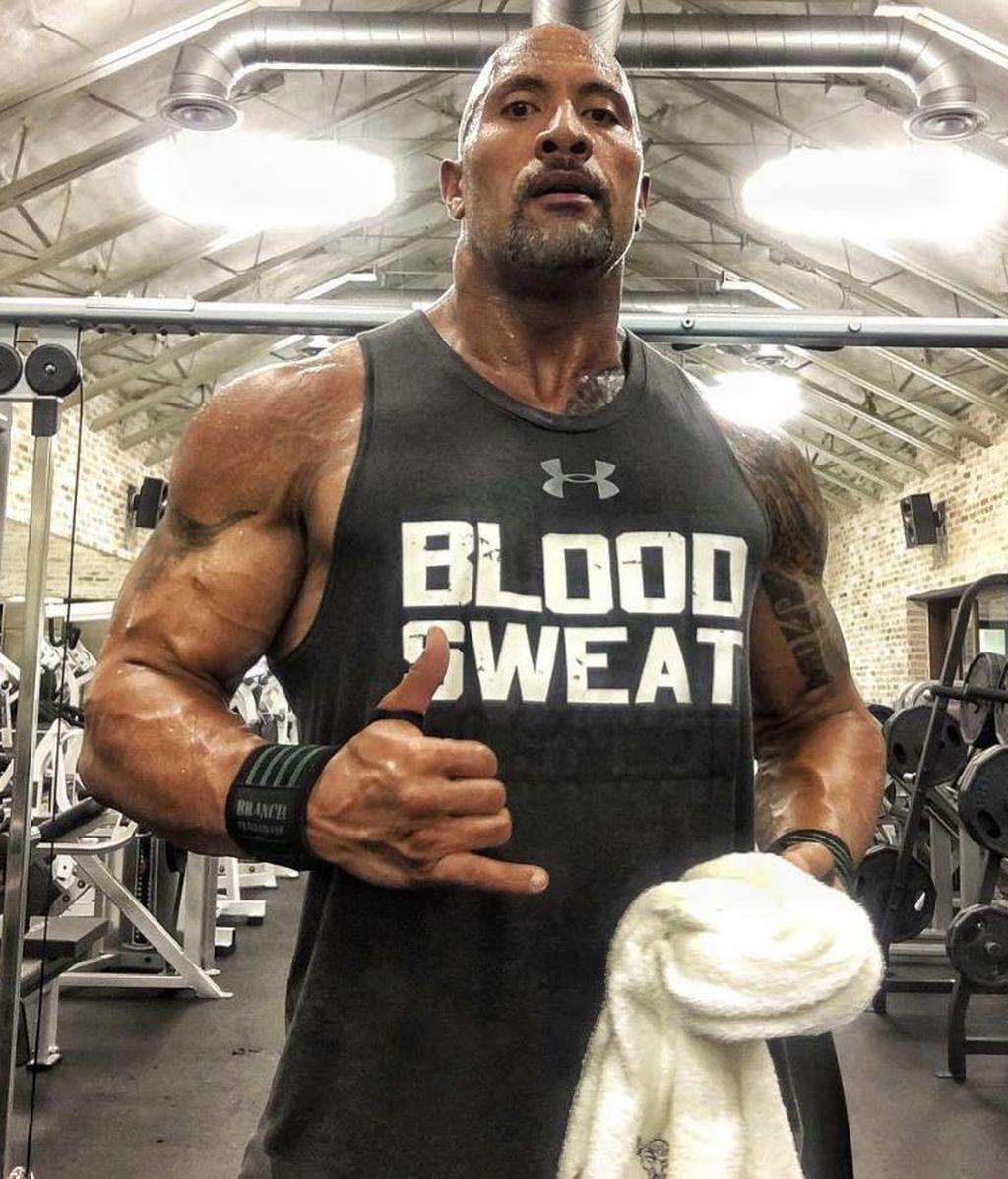 Un hombre de 37 años come y entrena como 'La Roca' durante 30 días, ¿cuál fue el resultado?