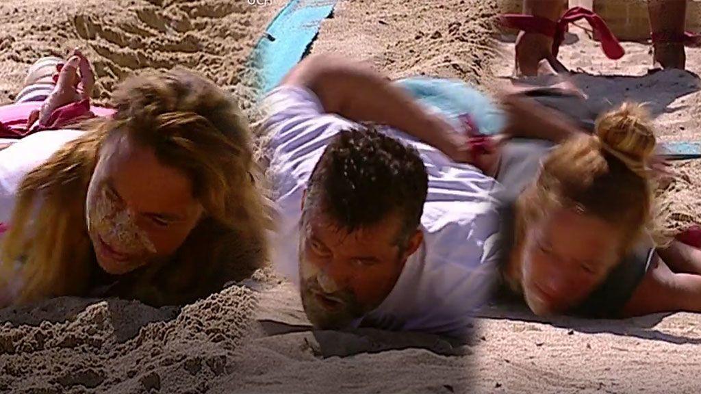 Los supervivientes tienen hambre y lo único que pueden comerse es la arena (literal)