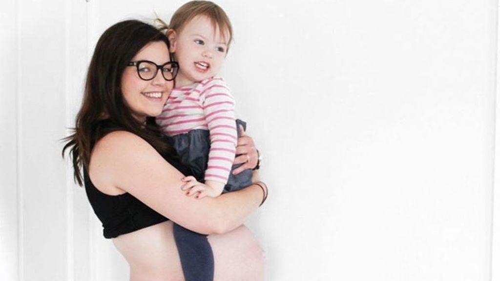 Da a luz a su segunda hija y lo retransmite en directo en Facebook