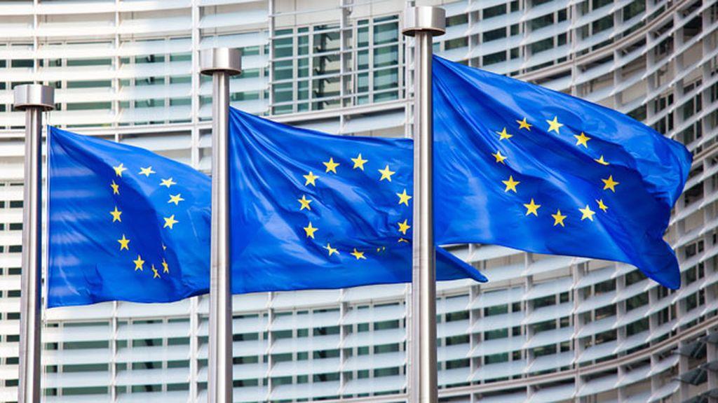 Bruselas eleva hasta el 2,8% el crecimiento de España en 2017 pero cree que no cumplirá el déficit