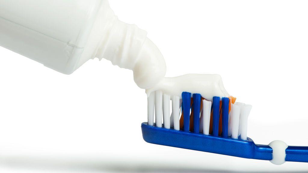 ¿Puedes saber si estas embarazada por el color de tu pasta de dientes?