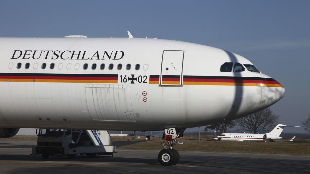 """Desalojan un avión en Alemania por una """"conversación sospechosa"""" entre pasajeros"""
