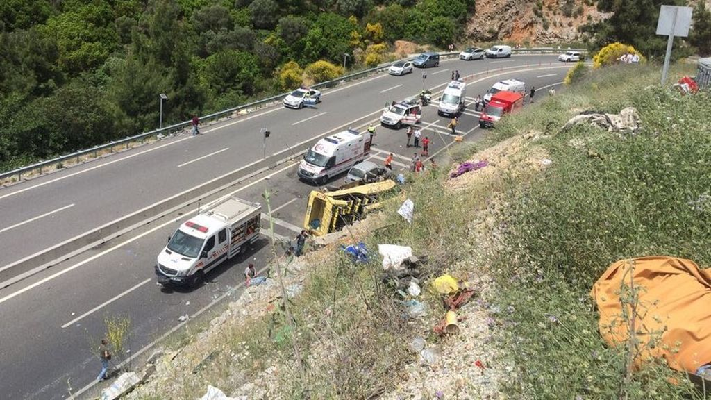 Al menos 20 muertos por un accidente de autobús en el suroeste de Turquía