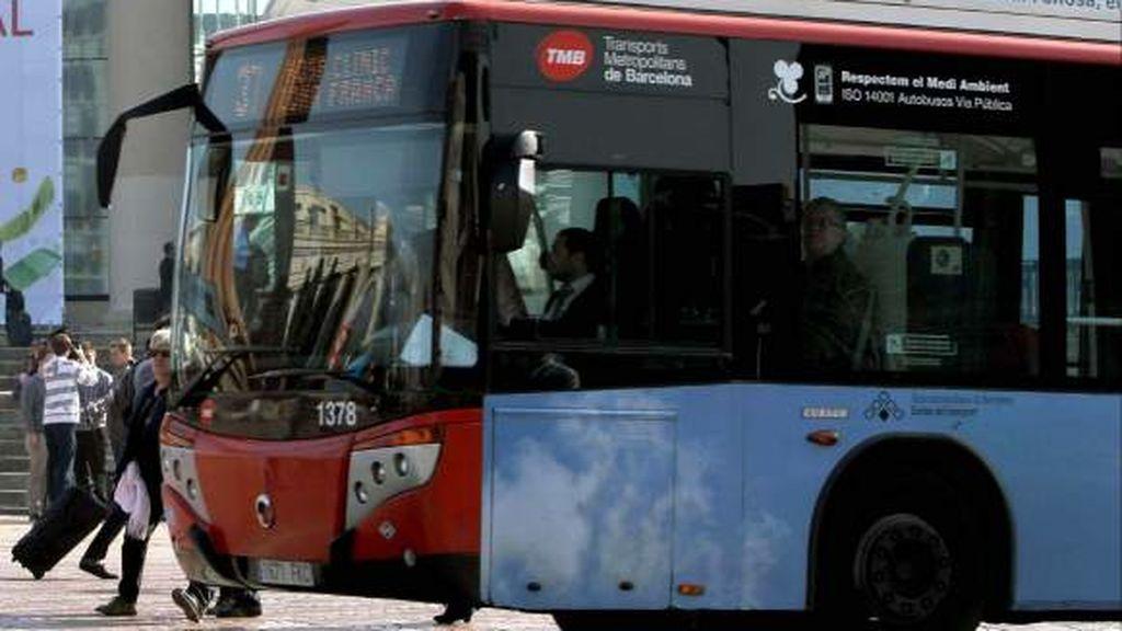 En estado crítico una mujer atropellada por un autobús en Barcelona