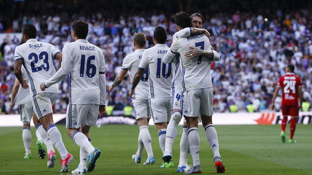 El Real Madrid supera el récord del Bayern de partidos consecutivos marcando