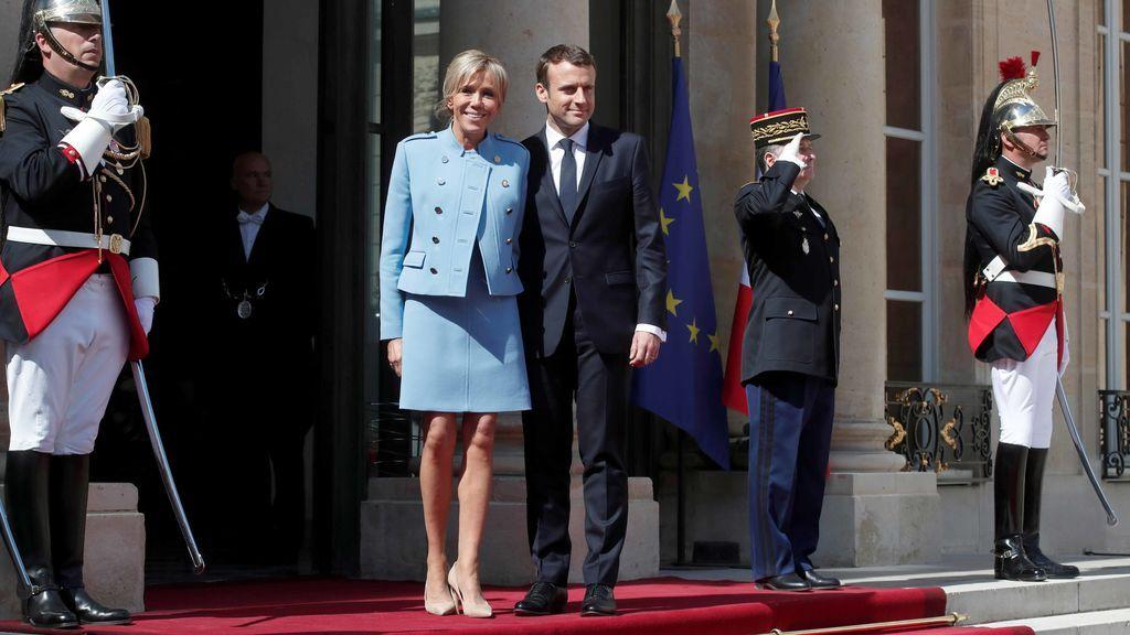 Macron asume la presidencia de Francia en una ceremonia solemne en París