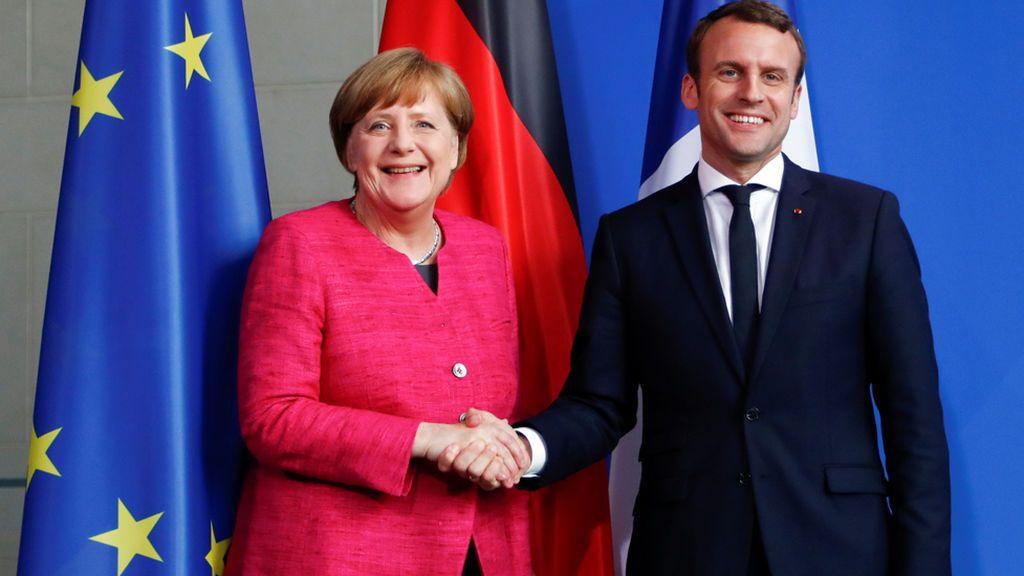 Merkel y Macron acuerdan elaborar una hoja de ruta para profundizar en la integración de la UE