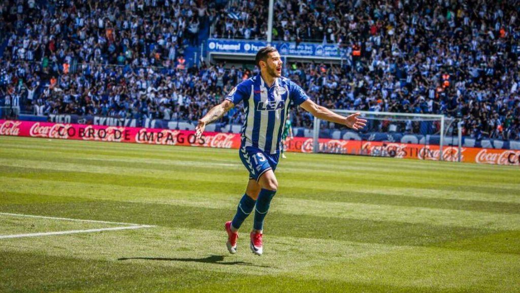 Theo Hernández se despide del Alavés y de la afición tras su último partido en Mendizorroza