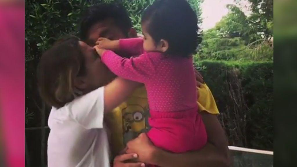 """La enternecedora y graciosa pelea de Tama Gorro y su hija por Garay: """"¡papa es mío!"""""""