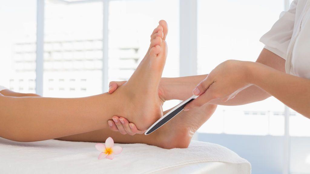 ¿Por qué se pelan las plantas de los pies?