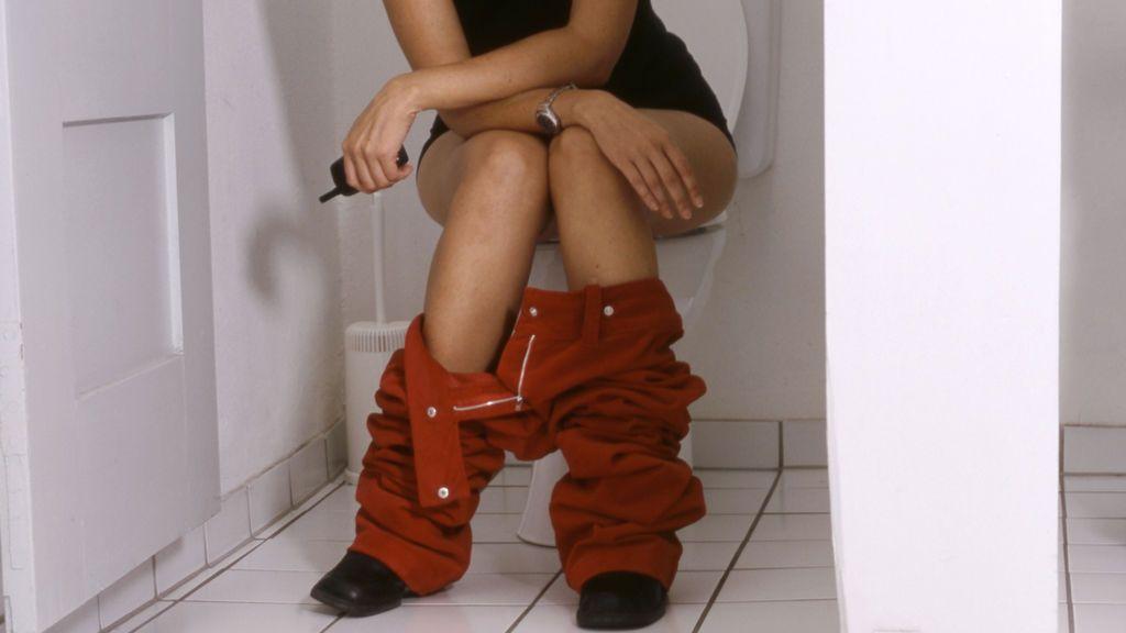 Piden 333 años de cárcel a un hostelero navarro por instalar cámaras en el servicio de mujeres