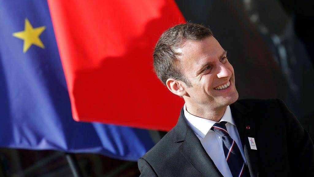 Macron conforma un Gobierno multicolor con ministros de cinco partidos