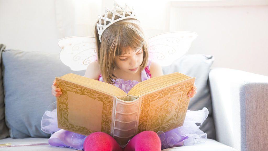 Los beneficios de leer a los bebés de seis meses