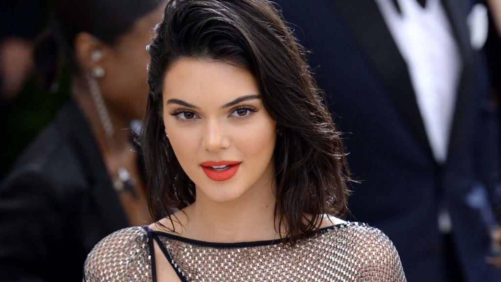 Kendall Jenner, más bici, más caída es igual a cuatro millones de reproducciones