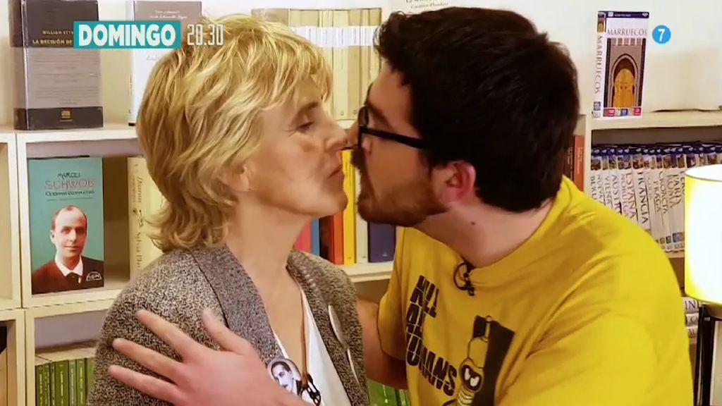 Mercedes Milá, 'convenZe' a un lector... ¡con un beso en los morros!