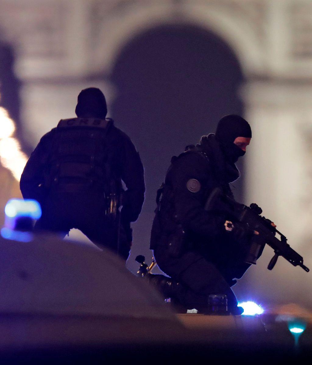 Detenido en Francia un joven de 23 años por su presunta implicación en atentado de Campos Elíseos en París