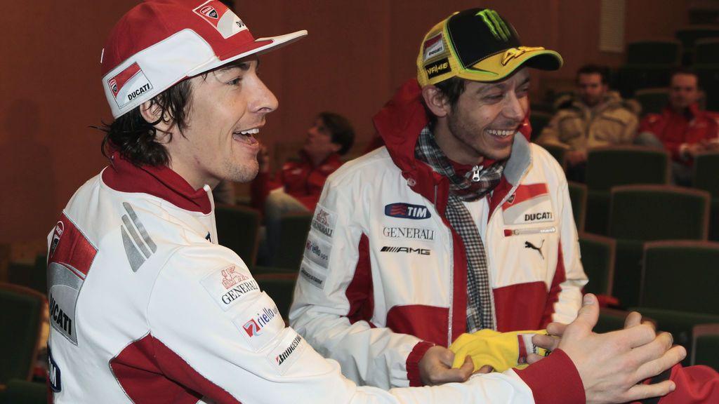 La carta de Rossi a Nicky Hayden, recordando los abrazos y la rivalidad, estremece al mundo del deporte
