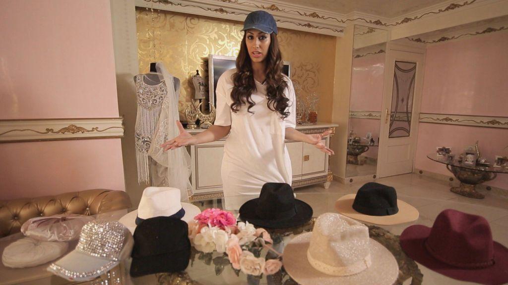 Cómo dar un toque Kardashian a tu 'look' con los sombreros de Noemí Salazar