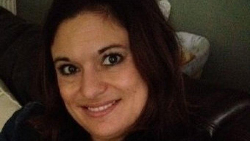 Muere por una sobredosis tras recibir imágenes de su marido desnudo con su amante