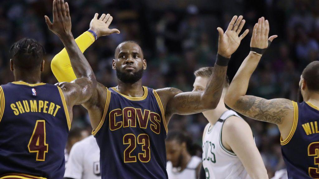 LeBron James y los Cavaliers firman una paliza histórica ante los Celtics